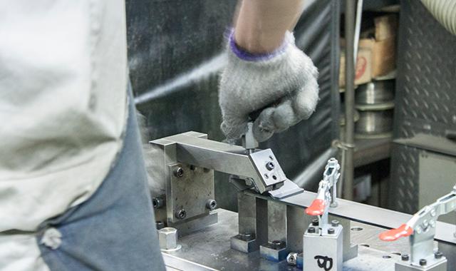 アルミ・厚板のアーク溶接にも、安定した品質を実現